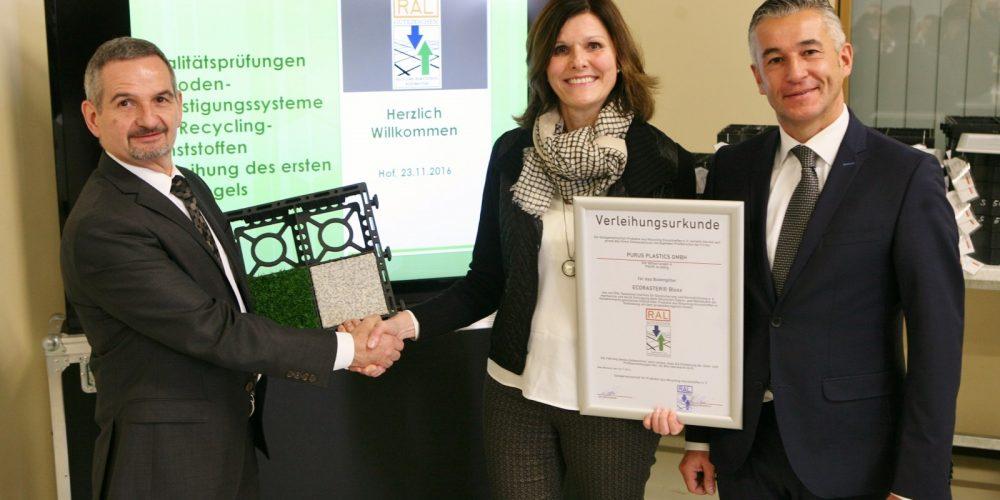 Verleihung RAL Gütezeichen an Purus Plastics